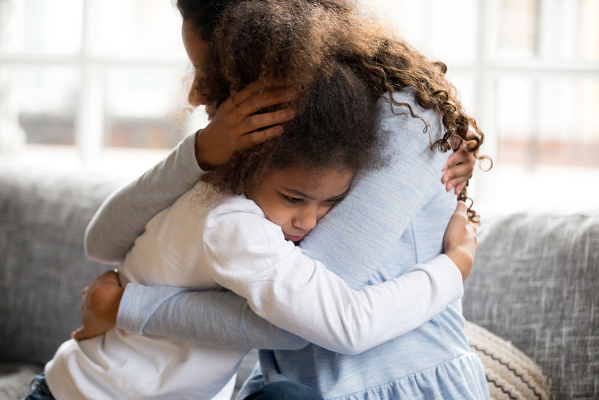 Helping your child deal with common fears (from babies to teens)